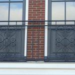 Balkonhek voor dubbelwoonhuis